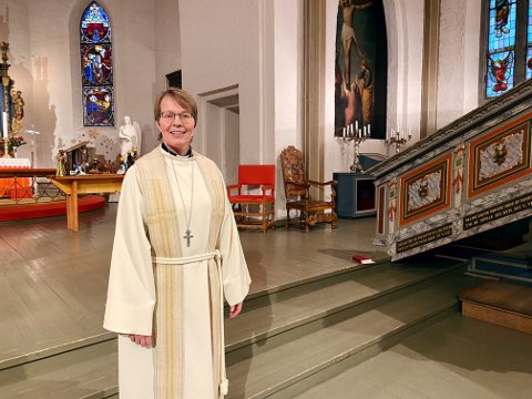 STENGTE KIRKER: Domprost i Tønsberg, Marta Botne, kan blant annet by på tre digitale gudstjenester fra Tønsberg Domkirke denne påsken.
