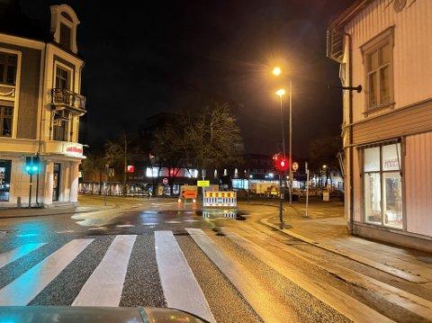 Stoltenbergs gate forbi Farmandstredet er fortsatt stengt. Det vil bilistene i sentrum merke.