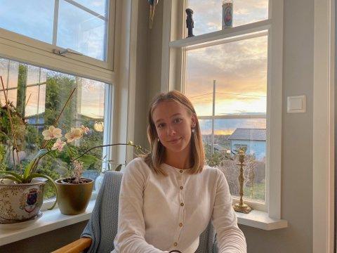 IKKE KLAR: Etter et unormalt undervisningsår mener Johanna Aatangen (18) det er urettferdig at hun og medelevene skal måtte gjennomføre eksamen.