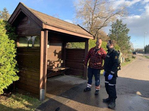 FIKK SLUKKET: Kjell Andersen kjørte tilfeldigvis forbi da han oppdaget brannen i busskuret.