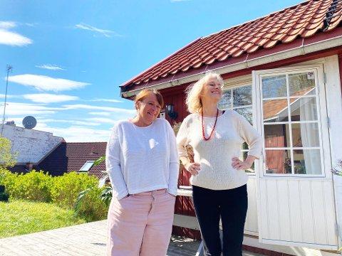 HAGESHOW: Rigmor Galtung og Marianne Krogness er godt i gang med å skrive sommershow.
