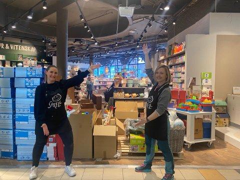 ÅPNING: Butikksjef Iselin Wenaas og assisterende butikksjef Cecilie Løvberg Eek gleder seg til å åpne dørene til den splitter nye butikken på Farmandstredet.