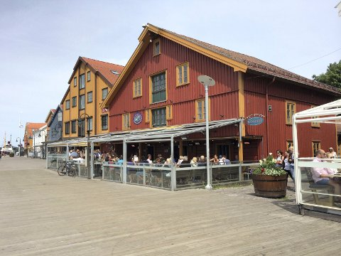 BYBESØK: Planlegger du å besøke byenes restauranter, kan det uansett være en god ide å ta med seg et eget munnbind.