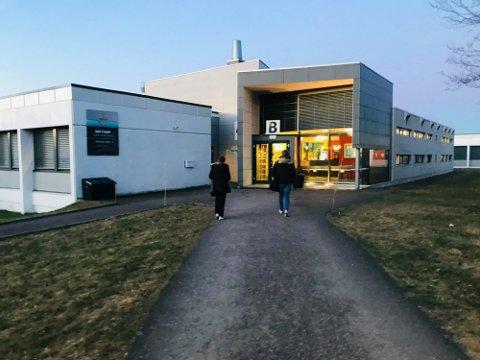 PÅ 1. OG 2. TRINN: De siste dagene er det oppdaget koronasmitte ved Nøtterøy videregående skole.