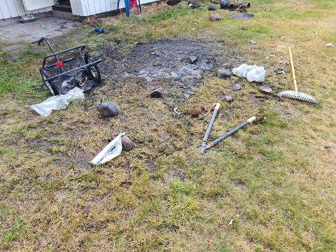 BRANN: Brannvesenet slokket brannen i denne sykkeltralla.