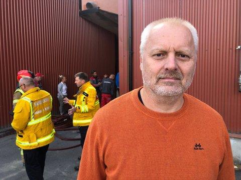 – To ansatte er sjekket ut. Den ene som var til stede ble sjekket lokalt, mens en annen er sendt til helsesjekk, sier daglig leder Rolf Erik Mikaelsen.