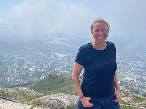 STORTINGSKANDIDAT: Til tross for mild høydeskrekk har Maria Aasen-Svensrud brukt sommeren på flere topper.