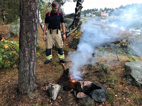 BRANT: På overflaten kunne det se ut som at bålet var slukket, men under torven ulmet det godt.