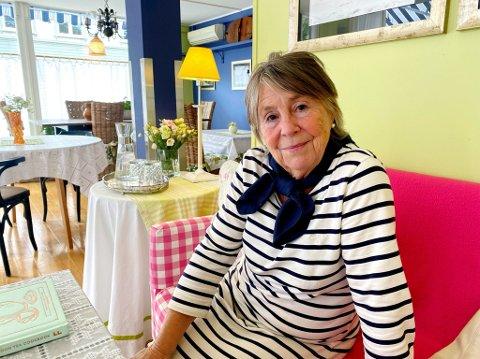 ÅPEN IGJEN: I litt over en uke har dørene til Haldis Chrisine Rabes kafé, Dagligstuen, vært åpne. Nå ser hun fram til høsten.