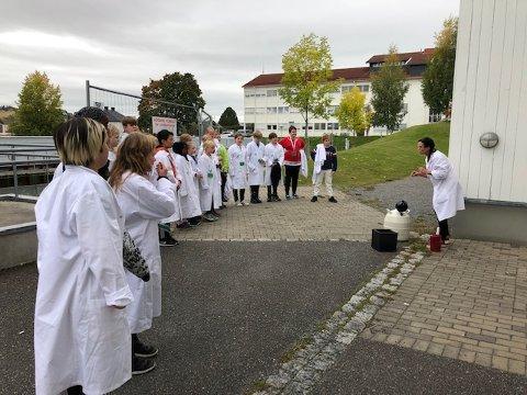FRITIDSTILBUD: Juniorklubben er ment som en alternativ møteplass for de som er blitt for store til å kunne gå på SFO, og vil tilby både faglig og sosialt påfyll. Dette bildet er fra prøveprosjektet hvor sjetteklasse på Hoffsvangen skole deltok.