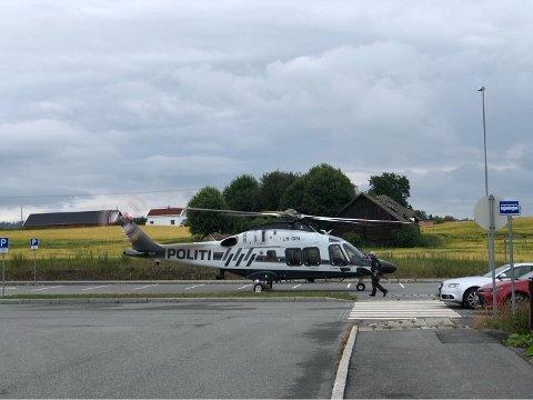 Politihelikopteret kom på plass på morgenen 14. juli for å bistå i å skaffe oversikt over situasjonen.