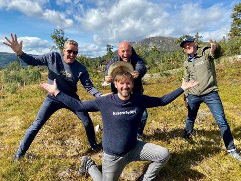 SAMLING: (f.v) Paul Håvard Østby, Jan Martin Johsen, Jonas Rønning og Torbjørn Dyrud er godt igang med forberedelsene til årets juleshow.