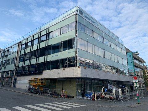 BLITT NY: Fasaden på KV-bygget har fått en skikkelig oppgradering.