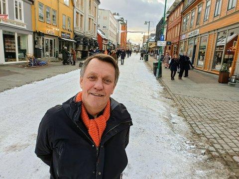 VIL BESTEMME SELV: Gunnar Wilhelmsen (Ap) skal selv få styre skjenking om smittetrykket er lavt.