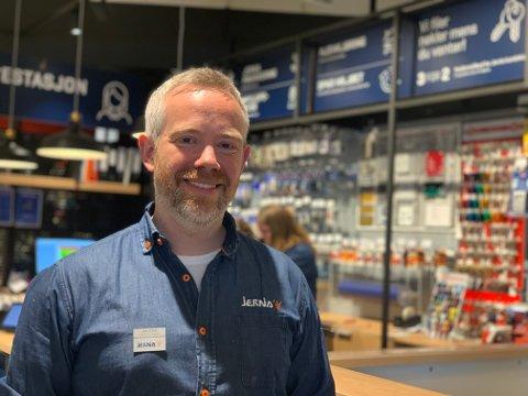 ÅPNET: Jan Erik Ferangen kunne torsdag åpne nybutikken på Jekta.