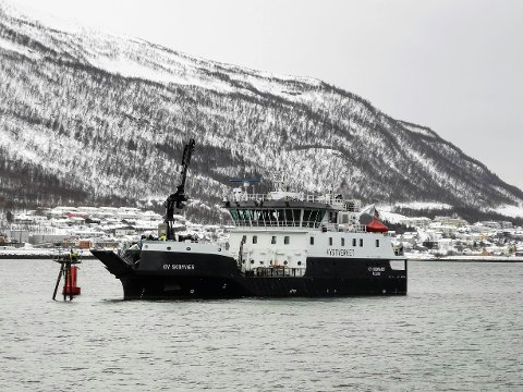 OPPDRAG: Kystverkets båt OV Skomvær ligger ankret opp i Tromsøysundet.