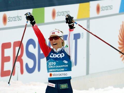 GULL: Therese Johaug stakk av med gullet under langrenn kvinner, skiathlon, 15 kilometer med skibytte under VM på ski 2021 i Oberstdorf, Tyskland.