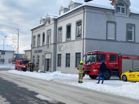 ALARM: Det er ingen ytre tegn til brann eller skade, forteller brannvakta. Brannvesenet er nå på vei inn i bygget i Kjøpmannsgata for å se nærmere på hva som kan være årsaken til alarmen.