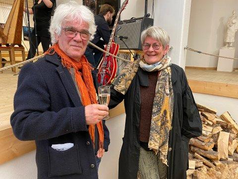 FORNØYDE: Knut Diesen og Hilde Ranheim synes det er topp at det blir arrangert Soddjazzfestival i år.