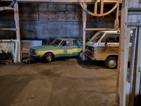 GIKK TAPT: Disse kjøretøyene er blant dem som er tapt for all tid etter brannen i Eggebogen natt til fredag.