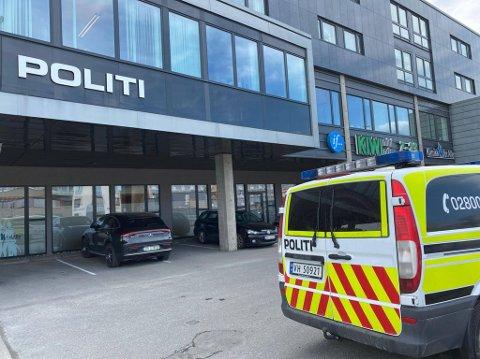 TRUSSELSITUASJON: En mann ble pågrepet etter en trusselsituasjon ved Stjørdal lensmannskontor tirsdag ettermiddag.