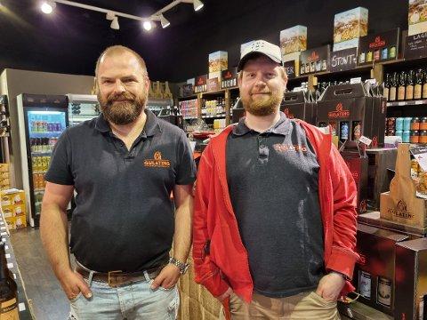 SOMMERFUGLER I MAGEN: Det er med iver og glede at Tommy Holen Helland (til venstre) og Marc-André Schopen (til høyre) planlegger å flytte inn i de gamle lokalene til Enklere liv på Amfi Steinkjer.