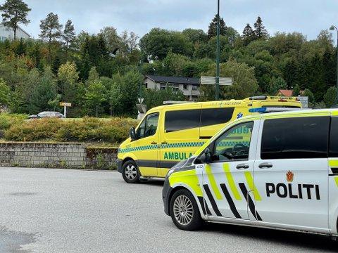 MC-ULYKKE: En mann i tenårene pådro seg skrubbsår etter at lettmotorsykkelen han kjørte skled av vegen da han kjørte på grus ytterst i rundkjøringa i Kleppakrysset i Namsos.