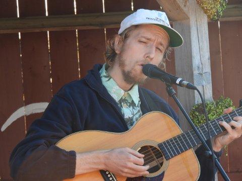 Jonas Alaska avsluttet den timelange konserten til trampeklapp fra publikum.