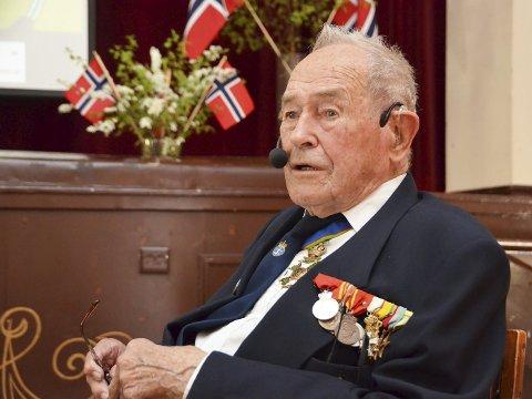 Ekstraordinær Jubilant: Krigshelten Monrad Mosberg fyller 100 år søndag 11. februar, og feires med kakefest på Strannasenteret.