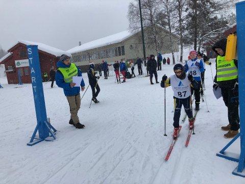Både unge og voksne skiløpere i Agder og Rogaland inviteres til å være med på en stor skihelg på Vegårshei. Dette bildet er fra det tradisjonelle Vegårshei-rennet i fjor.