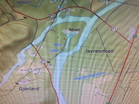 Gården ligger på Gjøvland nord for Åmli sentrum. Eiendommen er på over 6.000 mål, og strekker seg over et stort område sør og vestover.