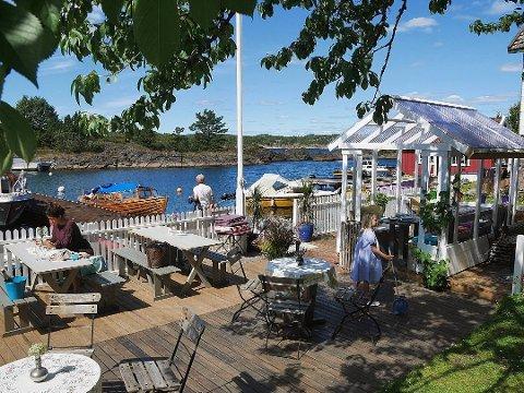 Eiendommen Basthaven på Sandøya er lagt ut for salg med en prisantydning på 7,95 millioner kroner.