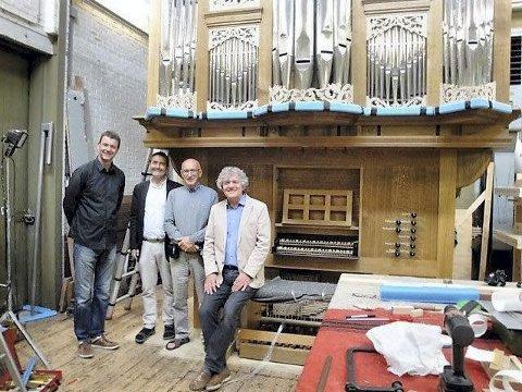 Befaring i Nederland: Erik Winkel – direktør hos Flentrop, Torleif Haugland – leder i orgelkomiteen, Halvard Brattvoll – orgelkonsulent, Hans van der Meijden – kantor.