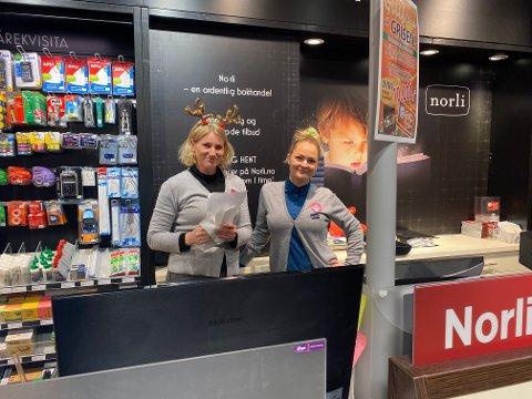 Anne Frydendal og Jeanette Jørgensen på Norli på Grisen er fornøyde, men kunne gjerne hatt det enda litt travlere.