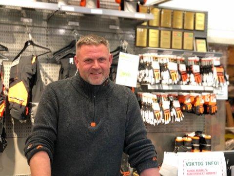 Ta en potet: Rune Olsen og gjengen på Felleskjøpet i Tvedestrand fikk endelig inn settepoteter for sesongen. De har vært etterlengtet.