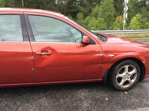 Slik ser Karen Margrareth Torgersens bil ut etter at  hun ble presset inn i autovernet.