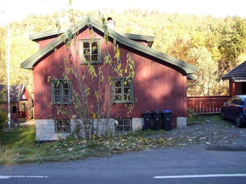 Ingo og Lina Halvorsens hus da de kjøpte det i 2008.