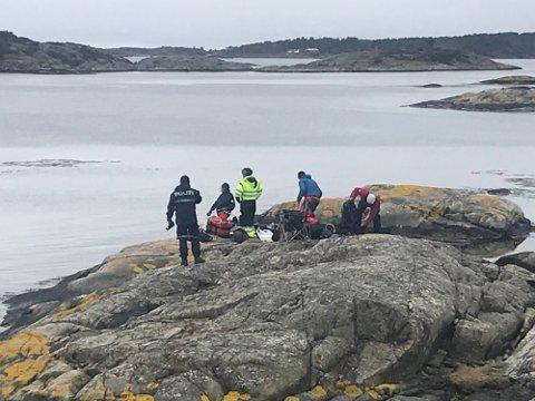 Onsdag var politi og dykkere på plass på Nautholmen for å gjøre de siste undersøkelsene etter likfunn i Lyngør.