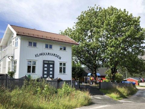 Privat: Klokkargarden er en privat barnehage i Negardskleiva i Åmli sentrum. Den eies av Heidi Halvorsen og Inger Oland. Dette er en av totalt fire barnehager i kommunen.