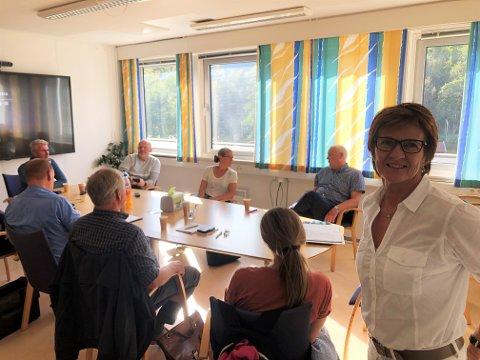 Marianne Landaas må konstatere at oppslutningen om Høyre stuper. I forhold til stortingsvalget for fire år siden, mister partiet 4,8 prosent av stemmene i Tverdestrand.