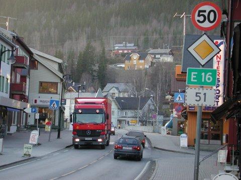 Kan bli ei løysing: E16 gjennom Fagernes kan koma inn att i Nasjonal transportplan.