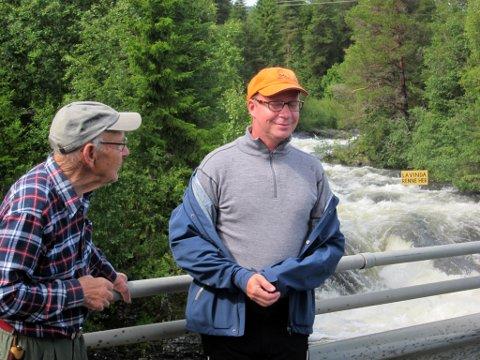 Ved Mosbrue: Nils Dalen (t.v.) døde i sommer, men Ketil Kjenseth trekker fram møtet med Nils, som ble 90 år gammel.