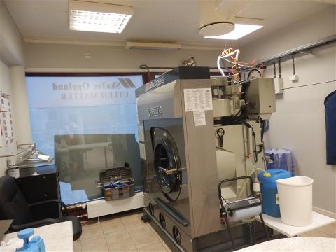 Nå står rensemaskinene stille på Dokka. Det rammer blant andre kunder i Valdres.