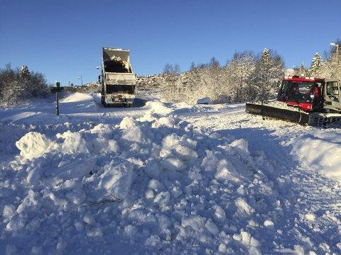 Omlegging: Beitostølen løypeforening legger om løypetraseen nederst i bakken, etter at avisa Valdres hadde vært på befaring.FOTO: Øivind Langseth