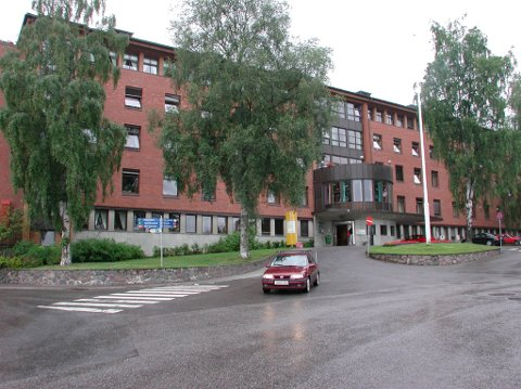 I en e-post til avisa Valdres, skriver kommunikasjonsrådgiver hos Sykehuset Innlandet (SIHF), Line Fuglehaug, at Vang kommune ikke har en fungerende avtale for pasientreiser for beboerne. Dette gjelder fra 1. februar.