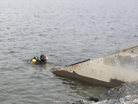 Dykker: Eldar Ailev jobber i Strandefjorden.