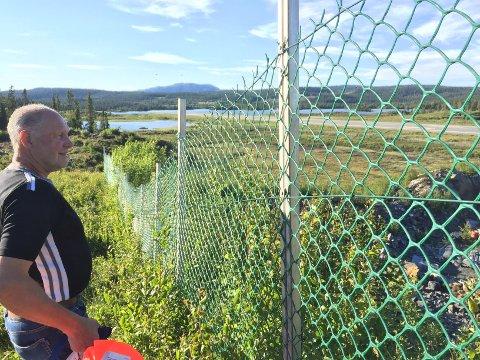 Overraska: Avinor igangsetter nå prøvetaking fra vannet Leirin. Jan Fred Solhaug er overraska over at det ikke ble gjort samtidig som prøvetakingen i Kalken.