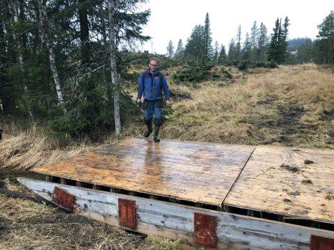 Skibru: Oddvin Sørbøen i Bagn IL har bygd skibru med brukte forskalingslemmer fra Bagnskleivtunnelen. Det ga bærekraftpoeng for E16 prosjekt. (