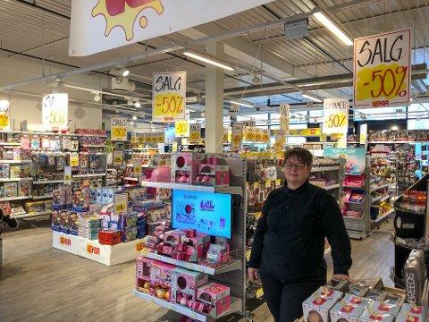 – Nå blir konkurransen og presset litt mindre for leketøysbutikken på Leira, noe som forsåvidt er bra for både dem og barna i Valdres. De la nok merke til at vi kom på Fagernes, humrer Bente Lium nå som det er kjent at Lekia stenger dørene om en knapp måned.