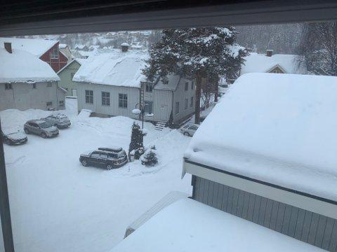 Det er lett snødryss over Fagernes nå klokken 14.30.